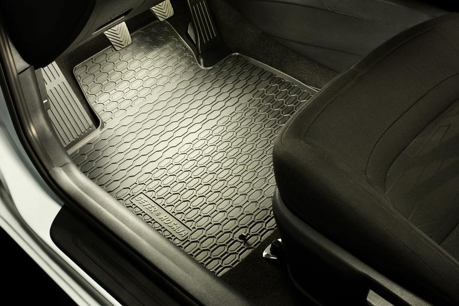 Nowa jakość jazdy z Geyer&Hosaja – dywaniki na miarę bezpieczeństwa!