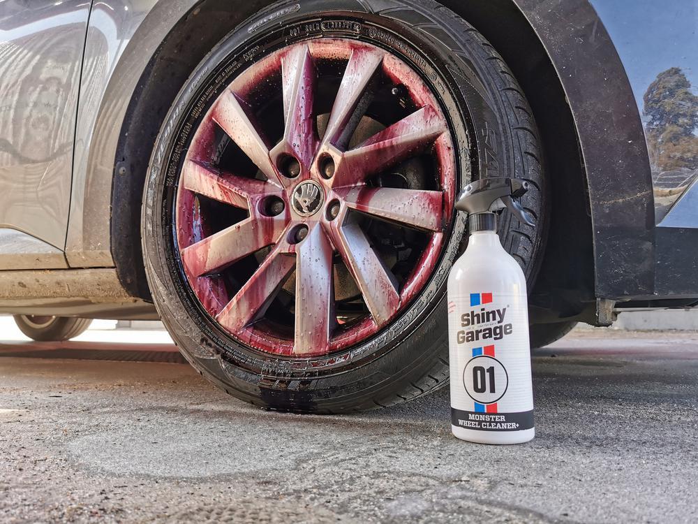 Test Shiny Garage Monster Wheel Cleaner Plus 1L - Krwawa felga