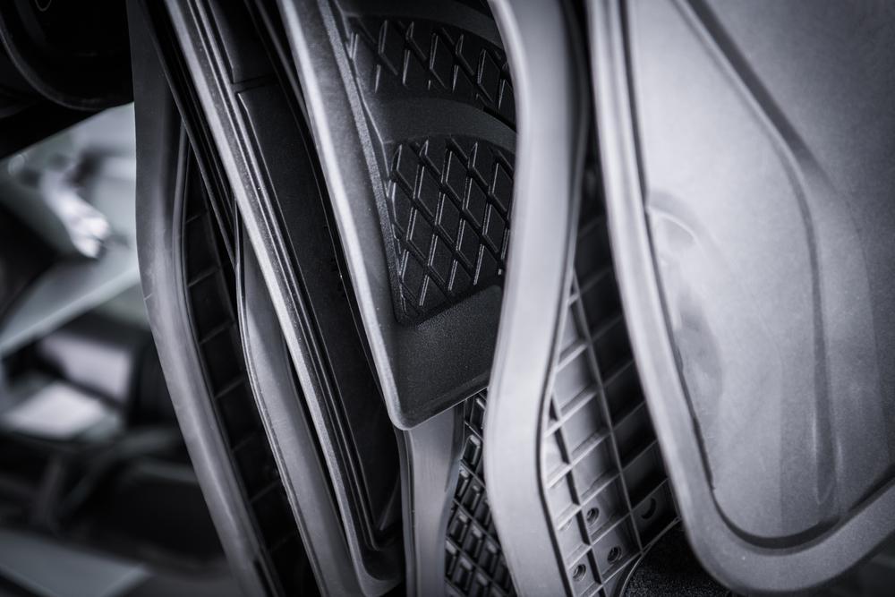 Dywaniki samochodowe – jak dobrać dywanik samochodowy, dopasowany do potrzeb auta i jego użytkownika?