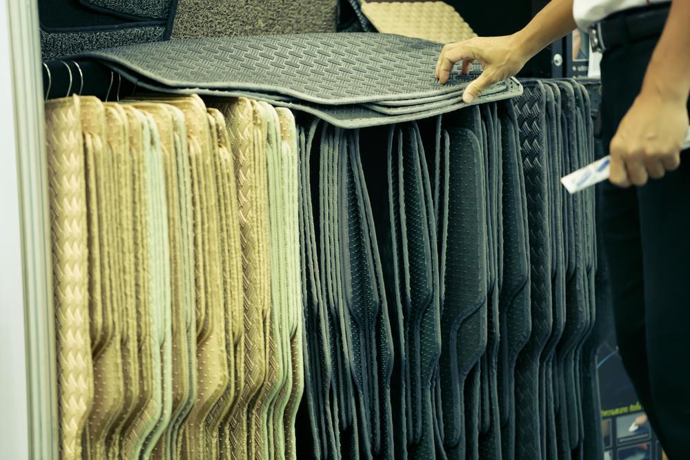 Carstyle   dywaniki   samochodowe   szyte   na   miarę – czy   warto zadbać o tę przestrzeń w samochodzie?
